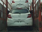 /xe-hatchback-moi/honda-brio-2019-tren-duong-ve-dai-ly-rat-gan-voi-khach-hang-254