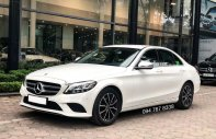 Cần bán gấp Mercedes C200 2019 màu trắng, chính chủ, biển đẹp, giá cực tốt giá 1 tỷ 380 tr tại Hà Nội