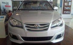 Bán Hyundai Avante đời 2015, màu trắng, nhập khẩu nguyên chiếc giá 522 triệu tại Quảng Nam