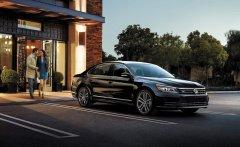 Bán xe Volkswagen Passat GP đời 2016, màu đen, nhập khẩu nguyên chiếc giá 1 tỷ 499 tr tại Cần Thơ