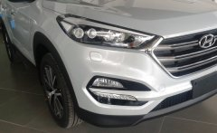 Bán xe Tucson 2.0 màu bạc giao ngay, có hồ sơ sẵn, giá tốt nhất giá 838 triệu tại Tp.HCM