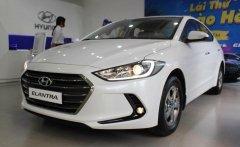 Khuyến mãi khủng cho Hyundai Elantra 1.6L số sàn màu trắng, gọi để biết chi tiết giá 560 triệu tại Tp.HCM
