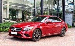 Cần bán gấp Mercedes C200 2019 màu đỏ, chạy lướt giá cực tốt giá 1 tỷ 435 tr tại Hà Nội