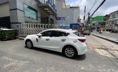 Bán Mazda 3 năm sản xuất 2017, màu trắng, xe gia đình giá 620 triệu tại Lâm Đồng