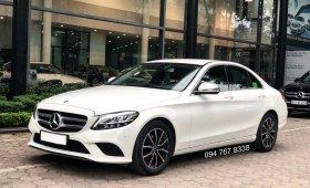 Cần bán gấp Mercedes C200 2019 màu trắng, chính chủ, biển đẹp, giá cực tốt giá 1 tỷ 435 tr tại Hà Nội